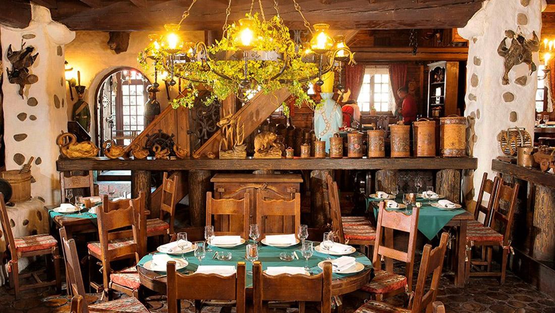 Интерьер ресторана «Царская охота» на Рублево-Успенском шоссе